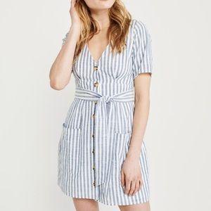 Abercrombie button up tie front dress S